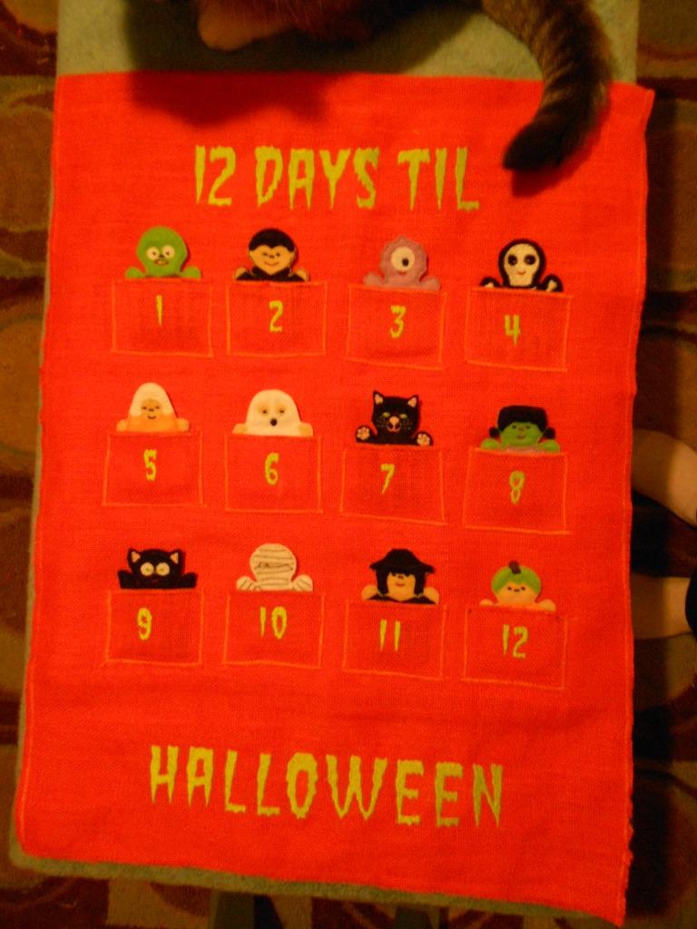 12 Days til Halloween Advent Banner.